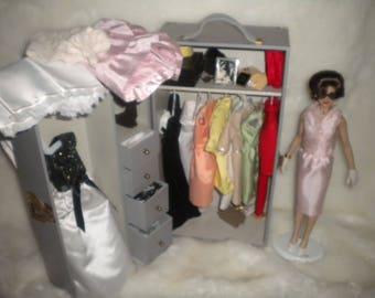 Great doll Jackie Kennedy + keychain