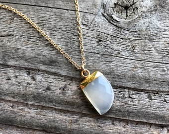 Electroplated gold gemstone necklace