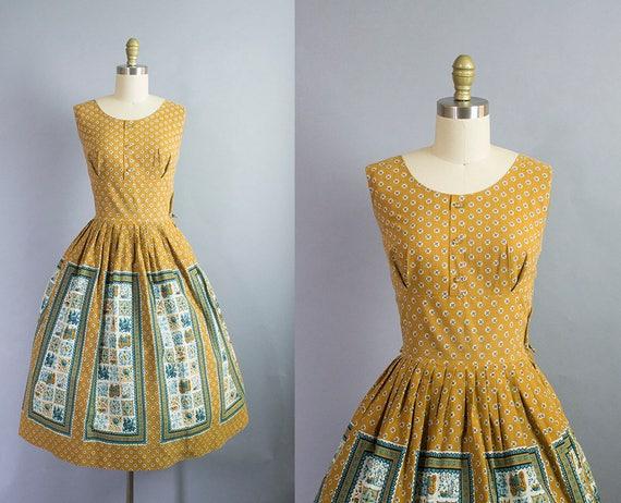 1950s floral cotton dress/ 50s shelf bust novelty panel print cotton dress/ medium