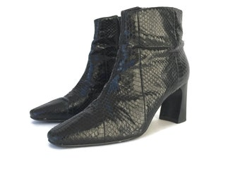 Vintage 90s Black Snakeskin Ankle Booties Boots size 7.5