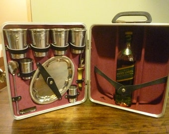 """Vintage Black Travel Bar, """"Trav-L Bar by Ever Wear"""", Hardshell, with All Original Accessories and Key"""