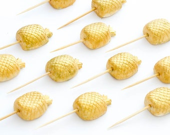 12 x Edible gold pineapple sugar fondant cake toppers / cake stakes