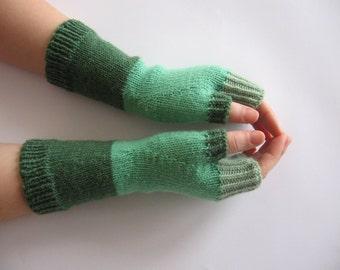 Green Fingerless Gloves, Wool Wrist Warmers, Fingerless Mittens, Handmade Gloves, Hand Knitted Arm Warmers, Wool Arm Warmers, Winter Gloves