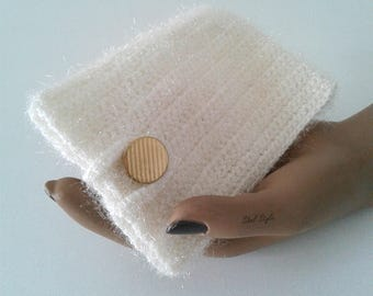 Cover case pouch for phone mobile cell smartphone white/off-white knitting handmade, woman gift idea.