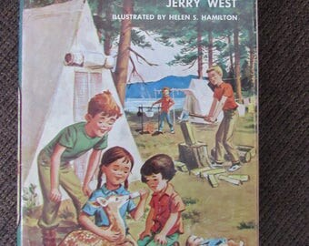 The Happy Hollisters and the Scarecrow Mystery by Jerry West 1957 Free Shipping