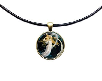 Woman necklace Maid of the Moon pendant Vintage jewelry