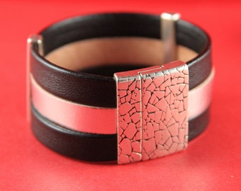 5A/9 MADE in EUROPE flat cord hammered magnetic clasp, 30mm flat cord clasp, large magnetic clasp (TM30X3KR) qty1