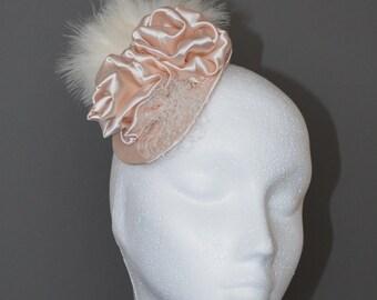 Cream bridal fascinator. Cream flower wedding fascinator. Flower and feather fascinator. Cream wedding hat. Cream hair accessory.