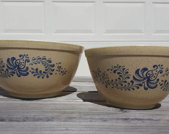 Vintage Pyrex Homestead 401 & 402 nested Mixing bowls / Great condition / Retro kitchen finds