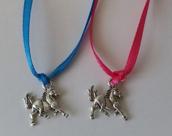 10 pc Horse Party Favor Necklaces