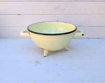 Pale Yellow Enamelware Colander / Strainer - Vintage French