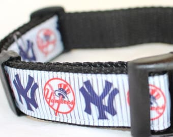 """New York Yankees Dog Collar - Side Release Buckle (1"""" Width) - Martingale Available"""