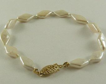Freshwater Diamond Shape Pearl Bracelet 6.4x 11.3mm- 7.1x 13.4mm 14k Yellow Gold