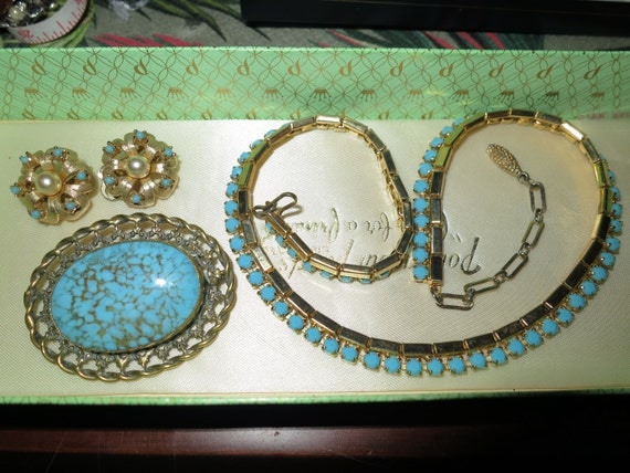 Vintage collection of turquoise necklace, brooch and clip on earrings