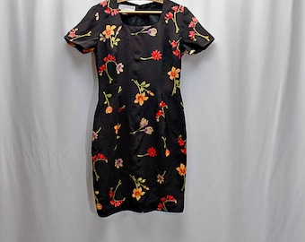 Vintage 80s 90s silk floral little black dress // Size S