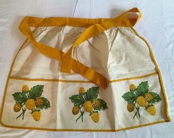 Vintage Cotton Apron Acorns Pinecones Mustard Yellow Green White Mid-Century Retro Kitchen