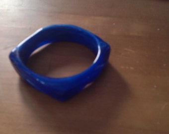 Blue plastic square shape bracelet