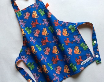 Pretty little apron for child with cats