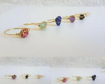 Chip gold wire wrap ring (Stone, Coral, Shell, Black, Blue, Red, White, Purple, Green) Cute, Hippie, Minimalist, Tribal, Feminine, Monotone