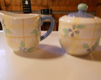 """Pfaltzgraff """"Floral Breeze"""" sugar and creamer - blue and yellow"""