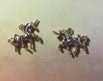 Gold tone unicorn charm
