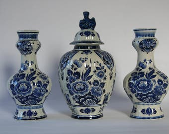 Cabinet set Dutch Blue / Delft blue from the Netherlands / decorative hand-painted vases