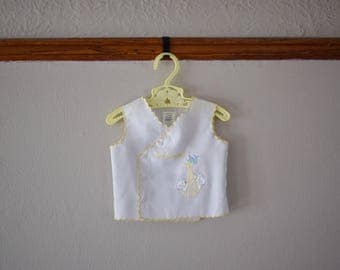 """Vintage Newborn Baby Top """"New Arrival"""" Gender Neutral - Vintage Baby Clothes - Vintage Clothing - Newborn Coming Home Outfit - Photo Prop"""