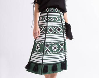 Bohemian linen vyshyvanka skirt. Mexican style. Ukraine embroidered skirt. Ethnic embroidery. Free shipping