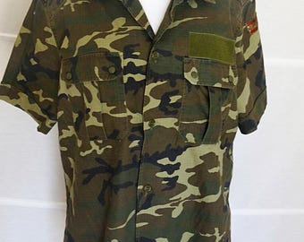 Mens Army shirt Camouflage Shirt Genuine Army Uniform short sleeved Spanish Army camouflage shirt vintage militaria 1990s size Large