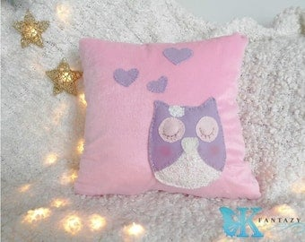 Lovely Owl pillow cover. Baby room pillow. Baby shower gift. Baby nursery. Baby girl room decor. Christmas gift decor. Owl crib decor