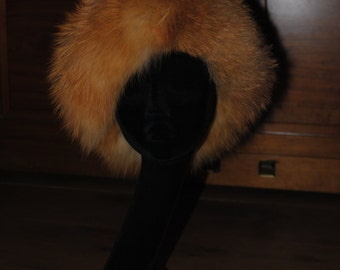 Hat/red fox toque 1980