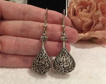 Absolutely Beautiful Vintage Sterling Silver-Large FILIGREE Drop and Dangle Earrings-Delightful STATEMENT Earrings-5.8cm Drop