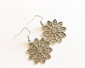 Silver filigree earrings, silver earrings, filigree earrings, dangle earrings, lace earrings, silver lace earrings, statement earrings, gift