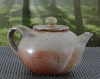 Teapot Nr. 130 - Anagama Kiln Fired