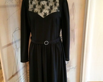 Beautiful vintage black lace panel dress Leygill London size 14 classic and elegant.  Special occasion.