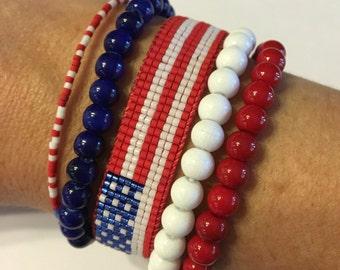 American Flag bracelet, patriotic bracelet, USA bracelet, United States bracelet, flag bracelet, beaded friendship bracelet