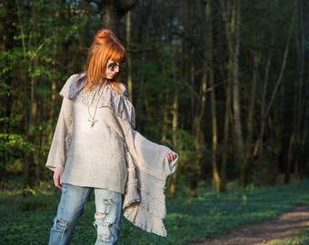 Maxi bohemian pullover coachella in mottled beige mohair, sleeves oversized lace, Liberty collar, style Stevie Nicks, gypsy hippy.