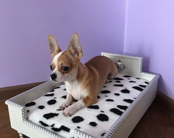 Princess pet bed, white wood and silver details, dog bed, cat bed