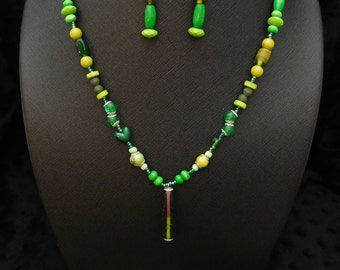 "29"" Green Necklace, Bracelet, and Earring Jewelry Set"