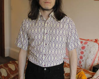 Carnaby Street Vintage c. 1960's 1970's Psych Psychedelic Short Sleeve Dagger Collar Summer Shirt