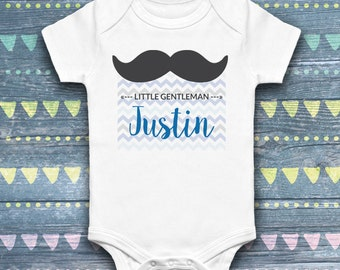 Cache-layer for baby, onesie, personalized printing first name of the child, little gentleman, white garment, 4 sizes available