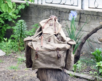 Large military backpack, Vintage rucksack with metal frame, Old mountain backpack, Canvas backpack, Military green rucksack