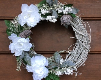 Winter Wreath - Christmas Wreath - Holiday Wreath - Traditional - Silver Grapevine - Door Hanger - Made in Canada - Canadian Made