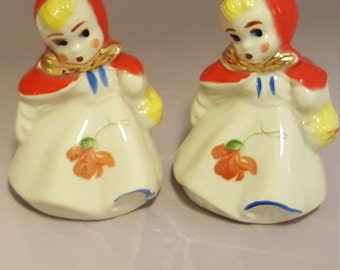 Vintage Dutchgirl Salt and Pepper shakers