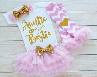 Auntie's Girl, Baby Girl Outfit, Auntie Is My Bestie, Baby Girl Coming Home Bodysuit, Coming Home Baby Girl, Baby Shower Gift, Infant Shirt
