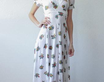 70s Dress White Floral // Vintage 1970s Boho Maxi Dress Empire Waist - Extra Small xs to Small