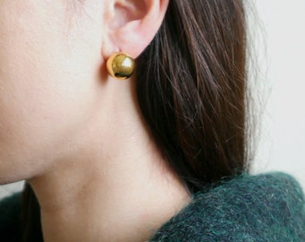 Gold Round Low Earring