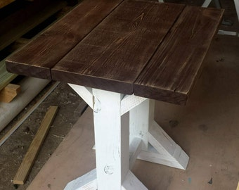 Farmhouse Side Table (LOCAL Pickup/DELIVERY ONLY)