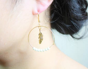 Round center feather white earring,Gold plated Earring, White earring, Drop earring,Feather earring