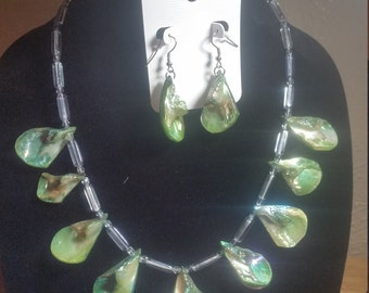 Green Goddess Shell Necklace and Earrings Set